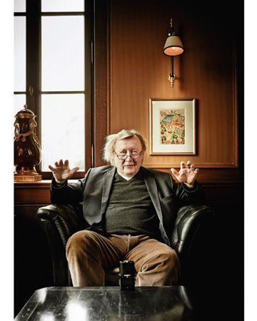 »Man denkt an mich, also bin ich« Der Philosoph Peter Sloterdijk spricht über seine Selbsterfahrungstrips bei Bhagwan in Poona, seine langjährige Fehde mit Jürgen Habermas und seinen Plan, einen erotischen Roman zu schreiben. VON SVEN MICHAELSEN (INTERVIEW) FOTOS:DW.DE + SOCIEDAD PETER SLOTERDIJK || ESFERAS Adolfo Vásquez Rocca PH. D.