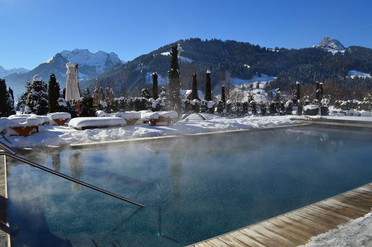 Jump out of your ski boots and directly in our 33 degree hot out-door pool. #beyondtheexpected