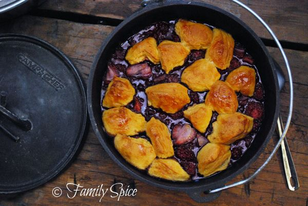 Foodbuzz 24×24:Dutch Oven Cooking Under the Stars