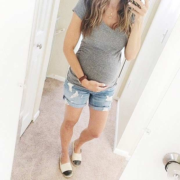 Casual Maternity Outfit - Denim Shorts + T-Shirt