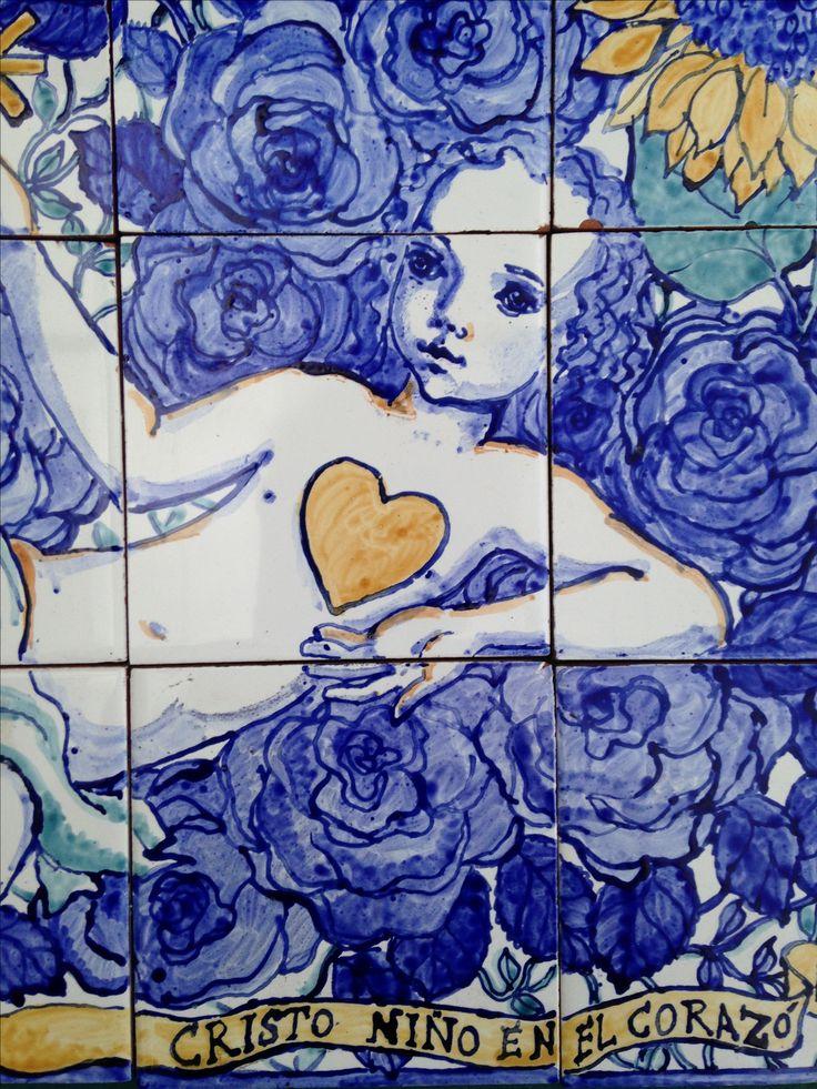 """Azulejos. """"Cristo Niño en el corazón"""" Fragmento. Marta Day"""