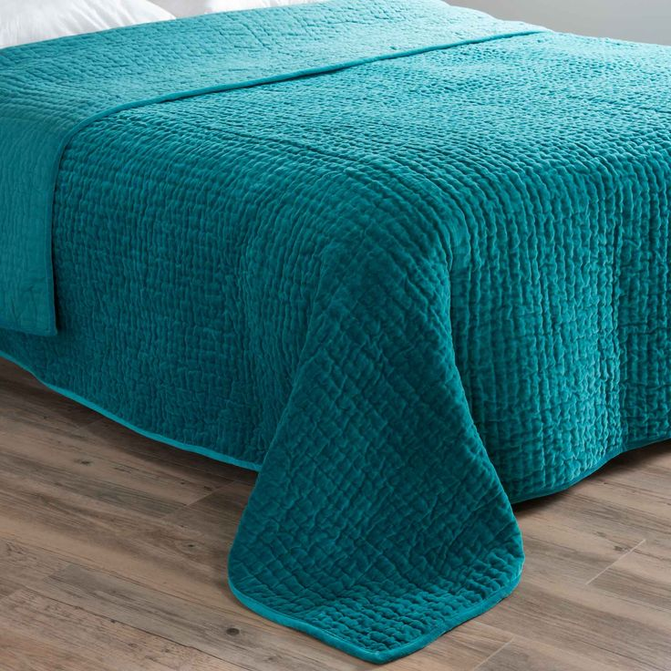 Velvet Quilted Bedspread In Blue 240 X 260cm Flat 9