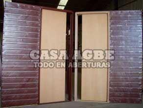 Puerta Corrediza De Embutir Cedro 70x200, Marco De Chapa. -