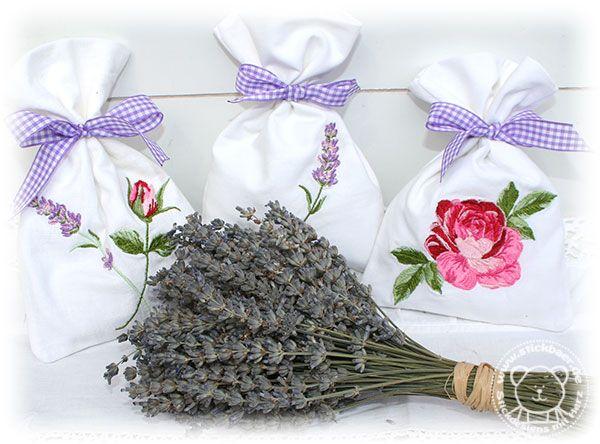 Unsere Lavendelsäckchen stickt Ihr ganz komplett und ausschließlich mit der Stickmaschine.