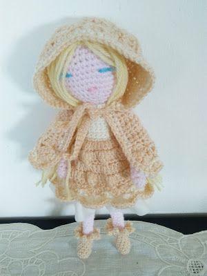La Borseria by Giusi: Brics bambolina all'uncinetto con cappuccio