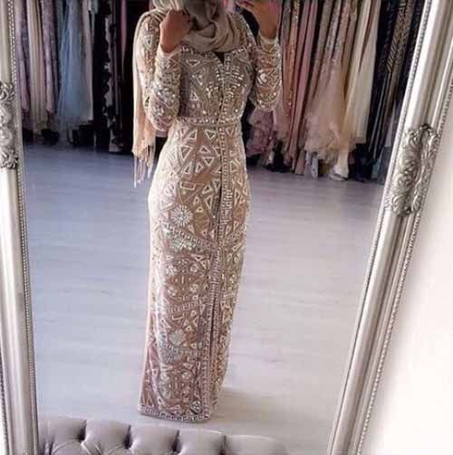 Hijab dress in beige with white lace details-How to be elegant hijabista – Just Trendy Girls