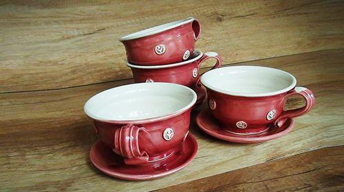 Piros pöttyös teáscsészék, 4 db-os készlet (6900.-ft), 6 db-os készlet (9800.-ft)