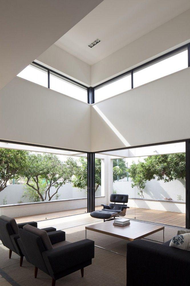 囲まれてても開放感 G House / Paz Gersh Architects