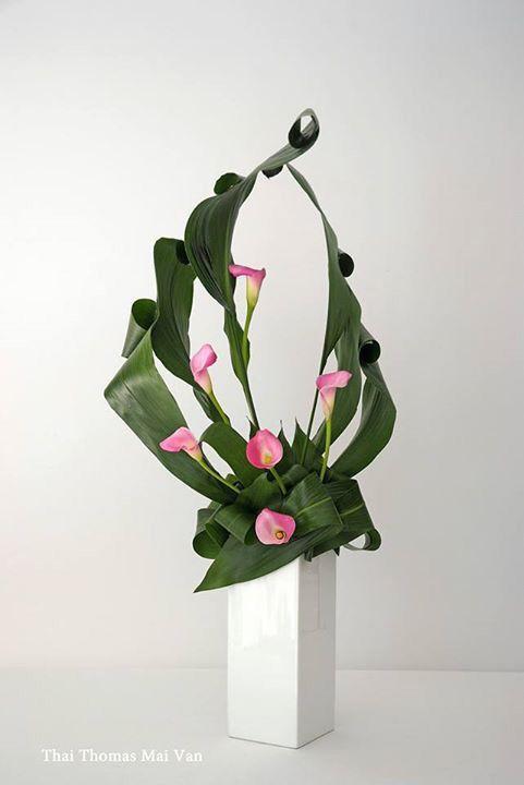 1000 bilder zu floral design auf pinterest ikebana blumengestecke und calla lilien. Black Bedroom Furniture Sets. Home Design Ideas