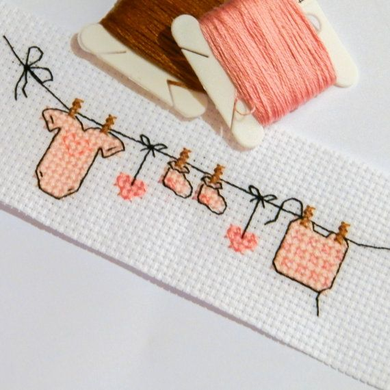 Washing Line Baby Pink Modern Cross Stitch por VickieDesigns