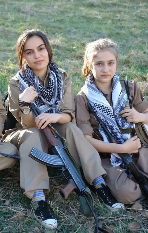 Peshmergas Kurdistan fighting against ISIS #peshmarge #kurdistan #kurd…