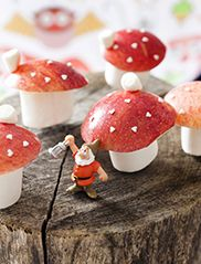Treat - Make yourself: mushroom - marshmallows and red apples