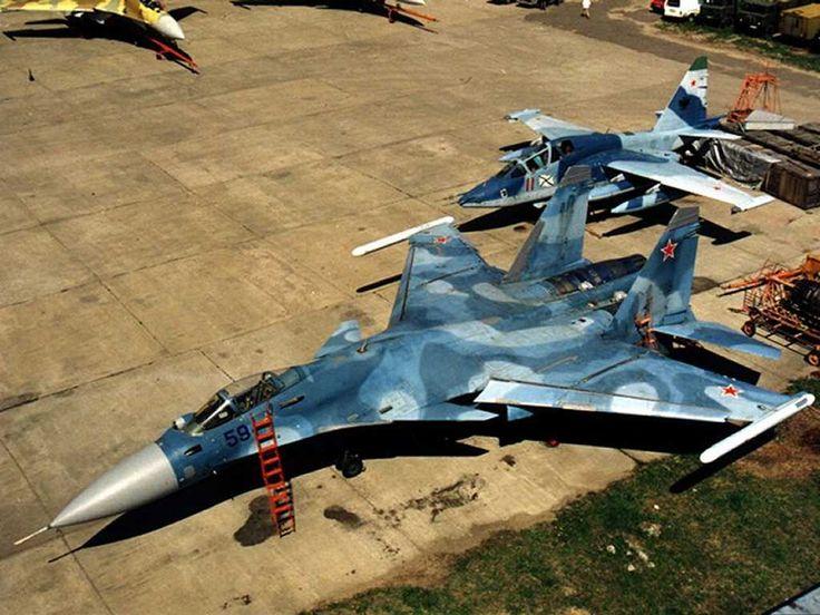 Old photo -  Russian Navy masters Su-33 & Su-25UTG
