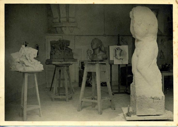 Un_des_ateliers_de_la_Villa_Paradisio_à_Nice_ici_occupé_par_le_sculpteur_Marcel_Mayer_à_la_suite_du_sculpteur_Collamarini