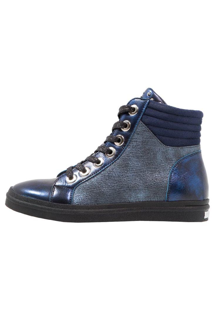 ¡Consigue este tipo de zapatillas altas de Replay ahora! Haz clic para ver los detalles. Envíos gratis a toda España. Replay Zapatillas altas blue: Replay Zapatillas altas blue Zapatos   | Material exterior: piel de imitación/tela, Material interior: tela, Suela: fibra sintética, Plantilla: tela | Zapatos ¡Haz tu pedido   y disfruta de gastos de enví-o gratuitos! (zapatillas altas, high, high-tops, high top, alta, bota, bota, botas, boot, boots, hohe sneakers, tenis altos, chaussure à...