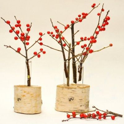 YaU Concept _ yau flori _ suportflori_ilexsimesteacan _secret santa 2014 _ ilex and YaU wood structure for Christmas #christmas #christmasdecor #holiday #candle #christmascandle #yauconcept #yau #christmasdecoration #wood #flowers #flowerstructure #christmasideea
