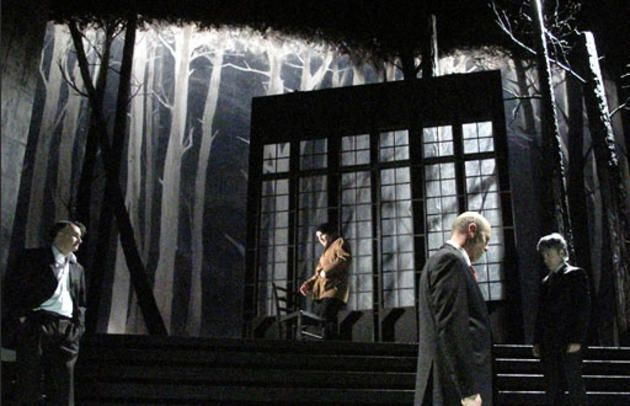 Scene from Adagio (Mitterrand, le secret et la mort), written and directed by Olivier Py, set by Pierre André Weitz, 2010