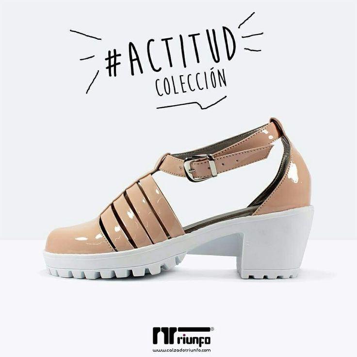 Dale luz a tu outfit con las sandalias #Actitud de Calzado Triunfo