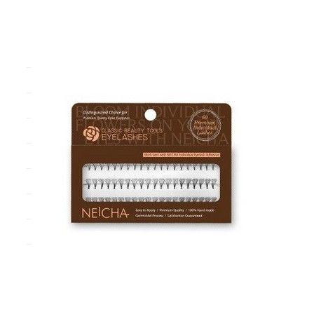 Bij happywimperextensions.nl  Neicha Flare lashes long In dit doosje zitten 90 Flare lashes. De plukjes zijn gemakkelijk aan te brengen.