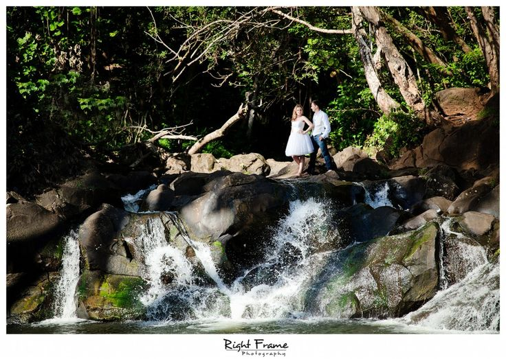 Amazing jungle like background for this once in a lifetime wedding photo.Oahu Hawaii. http://bit.ly/1N4ykA3 #lizmooreweddingshawaii