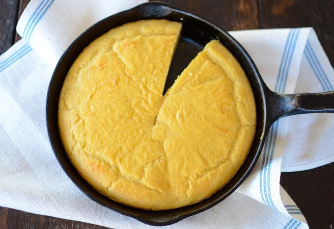 Low-Carb Cornbread made with 6 healthy ingredients --almond flour, flax meal, eggs, apple cider vinegar, salt, and baking soda. Perfect for Thanksgiving!