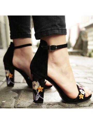Nakış İşlemeli Siyah Topuklu Ayakkabı - Fotoğraf 3