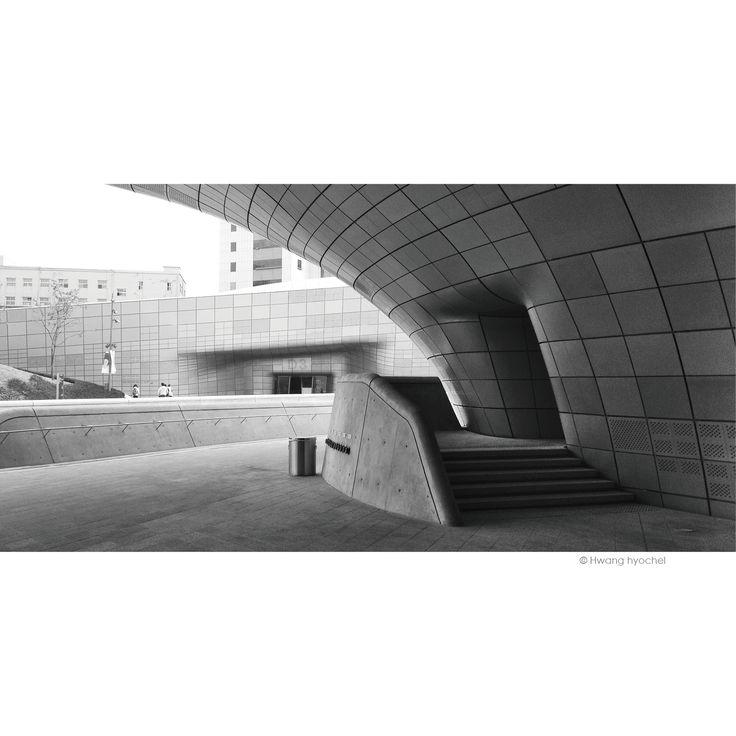 Dongdaemun Design Plaza Zaha Hadid Architects Seoul. South Korea