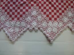 lindo barrado bordado em tecido xadrez..