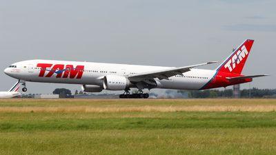 PT-MUI | Boeing 777-32WER | TAM Linhas Aéreas | JetPhotos