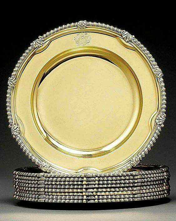 Gilded Age NYC Set, c.1895, of Silver-Gilt Plates Bearing the Vanderbilt Coat of Arms, with the acorn and oak leaf motif.