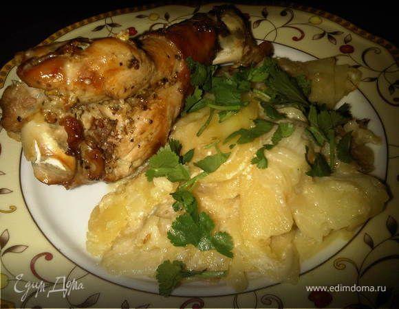 Крылья индейки, запеченные с картофелем в рукаве