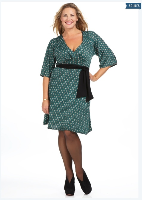 Soldes Hiver 2013 vetement femme grande taille à petit prix et au coeur des tendances : rendez vous chez Scarlett.fr  1x1.trans photo