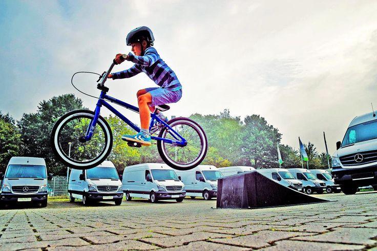 👌 Check out this free photoBoy in Black Nutshell Helmet on Blue Bmx Bike Having Hangtime After Taking Off on Ramp    🏁 https://avopix.com/photo/34006-boy-in-black-nutshell-helmet-on-blue-bmx-bike-having-hangtime-after-taking-off-on-ramp    #bicycle #cyclist #wheeled vehicle #bike #people #avopix #free #photos #public #domain