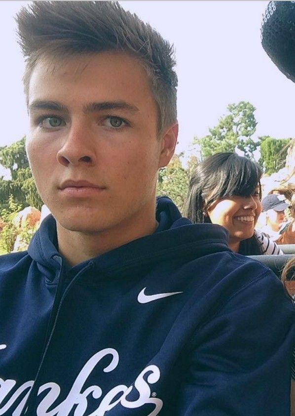 ::Peyton Meyer:: Sup, I'm Ben. I'm 15 and single. My sisters are Becca and Maddie. I like football and frozen yogurt. Come and play a game of football with me sometime!