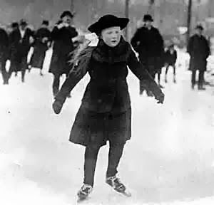 Valfréjus la mode du ski de 1900 à de nos jours - #valfrejus #mode #combinaison #hiver #valfrejus