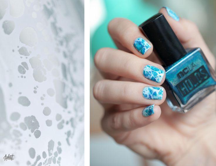Water surface nail art with hairspray
