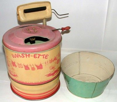 1940s 50s TIN TOY Tin WASHING MACHINE AND WASH TUB BUFFALO TOY CO.(WASH-ETTE)