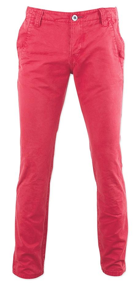 TOM TAILOR - Pantalon toile rouge pour tenue d'été homme. Le détail tendance : retrousser/faire un ourlet juste au dessus de la cheville. A porter avec des chaussures bateaux !  #McArthurGlenConcours