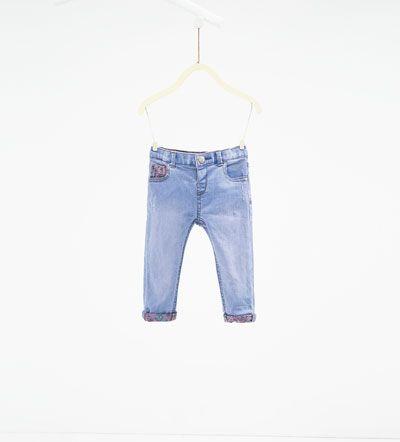 Jeans met bedrukte binnenzijde-BABY MEISJE | 3 maanden - 4 jaar-NIEUW DEZE WEEK | ZARA Nederland