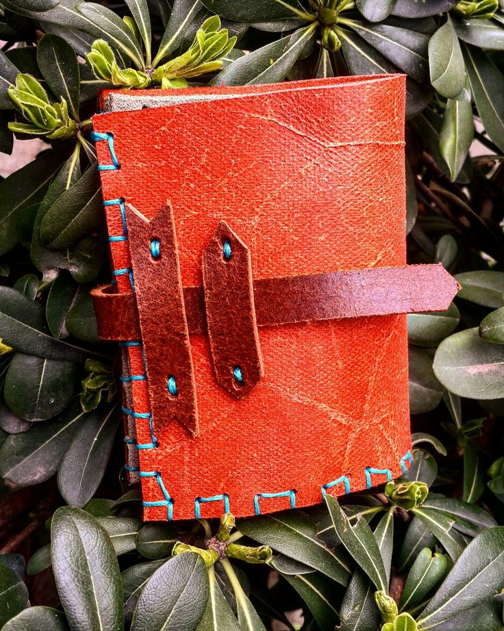 yeni elişi ve özgün tasarım deriden cüzdan   new design handmade and unique leatherwork wallet ☆ ☆ ☆ #elişi #özgün #tasarım #deri #deriişçiliği #yeni #cüzdan #handmade #unique #design #leatherworks #leather #new #wallet #istanbul #işimdeyimgücümdeyim #instadaily #keyfitasarim #aşkiçin #barışile #withlove #forpeace