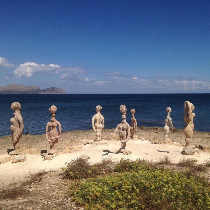 Fine skulpturer og flot udsigt i Can Picafort  #ferie #sol #skulptur #hav #udsigt #blåhimmel #sand #klipper #canpicafort #mallorca #påtur #vacation #sun #sculpturs #ocean #view #bluesky #rocks