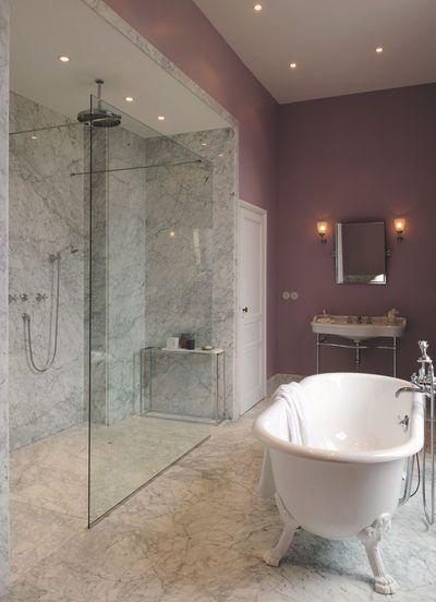http://static.cotemaison.fr/medias_10423/w_400,h_600,c_fit,g_north/du-marbre-pour-cette-salle-de-bains-luxueuse_5336993.jpg