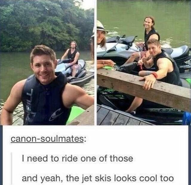 I THOUGHT JENSEN WAS HAWKEYE FOR A SOLID 3 SECONDS