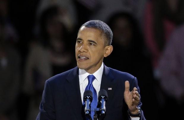 O presidente reeleito dos EUA, Barack Obama, discursa nesta quarta-feira (7) em Chicago (Foto: AP)