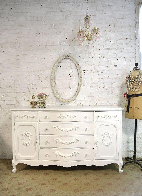 Un beau meuble fran ais pour votre salle manger ou la for Cirer ou vernir un meuble