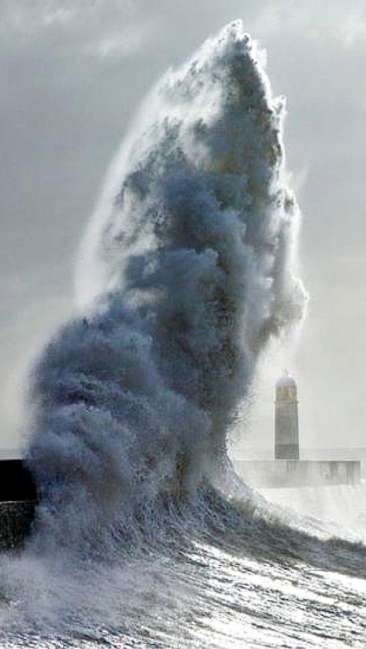 Ocean s fury amazing photos of a lighthouse during storms by steve garrington