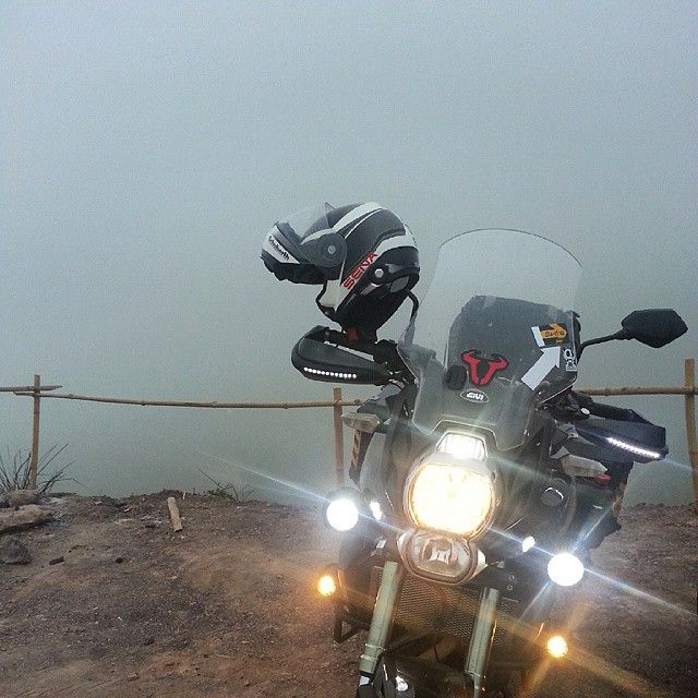 "@parawich's photo: ""Good Morning #kawasaki #versys #cvt #sena #senabuletooth #c3pro #schuberth #schuberthhelmet #swmotech #swandbags"""