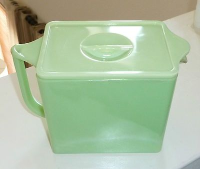 Jeannette Jadite Large Covered Pancake Ice Box Pitcher Jadeite Green Milk Glass - sold for $300