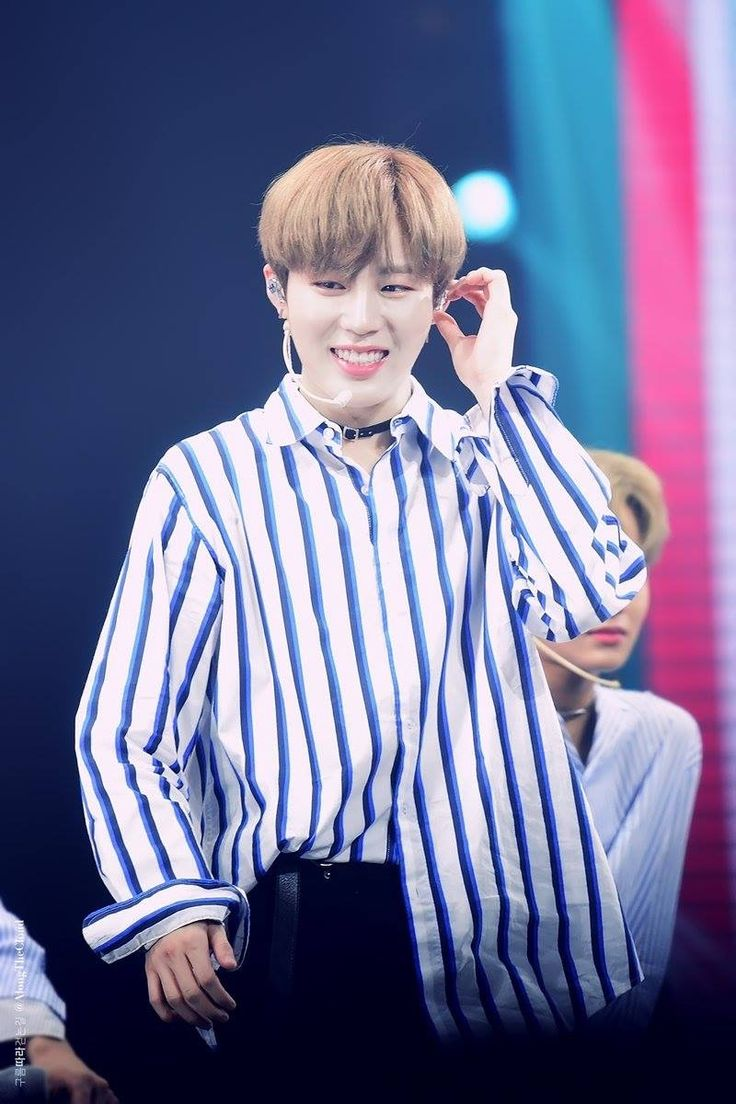 [HQ] 171013 Ha Sungwoon at Fanmeeting in Manila Cr. On pic