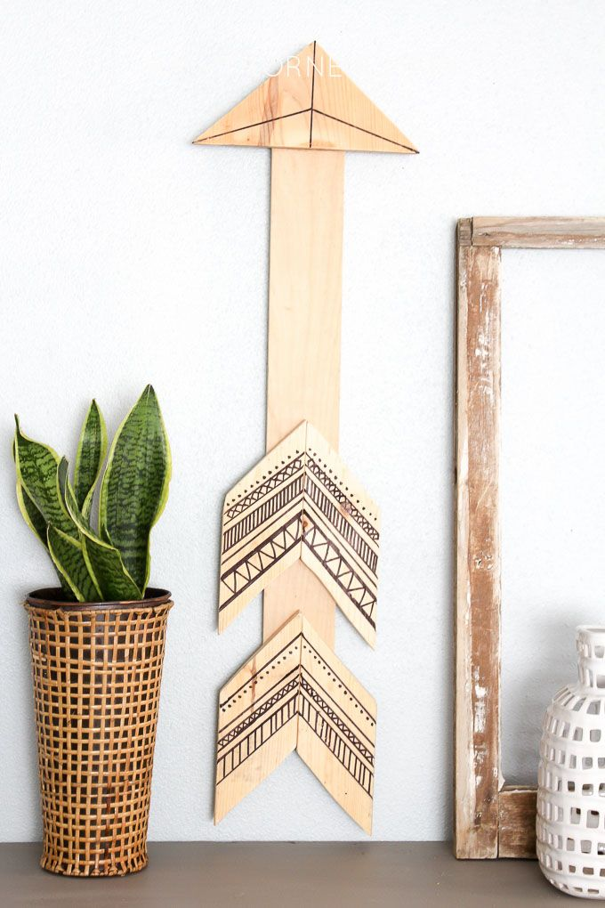 Shonee from Hawthorne & Main shares how to make this Tribal Arrow Wall Art. All you need are a few simple supplies. Plus, don't you love the light wood!